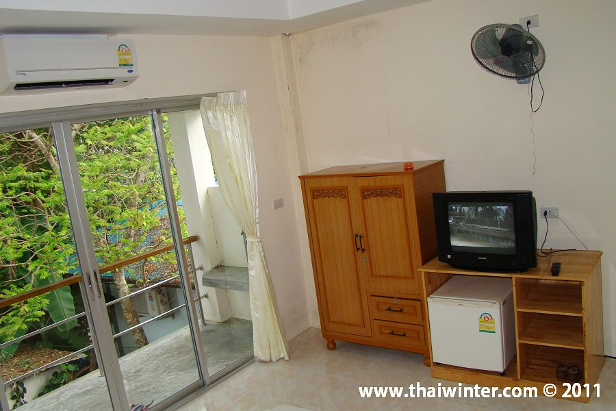 Отель Hinkong Resort на берегу моря на острове Панган