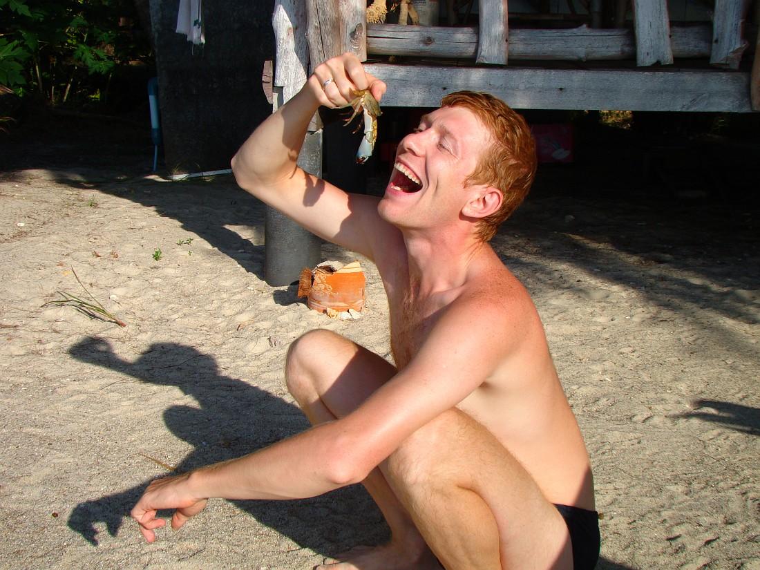 Поедание краба