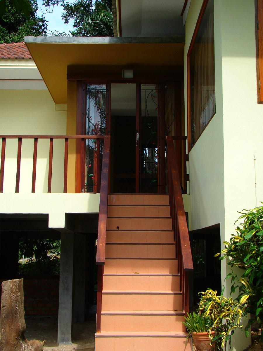 Вход в дом на Краби
