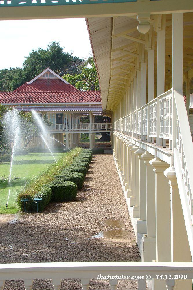 Тиковый королевский дворец Mrigadayavan | Зима в Таиланде