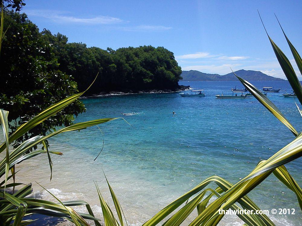 http://thaiwinter.com/wp-content/uploads/2012/03/Padangbai_Blue_Lagoon_02.jpg