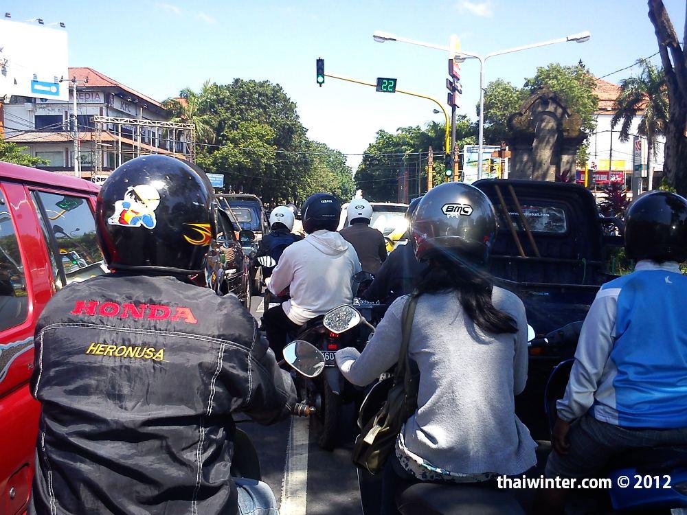Трафик в Денпасаре | Самостоятельное продление визы по прилету на Бали