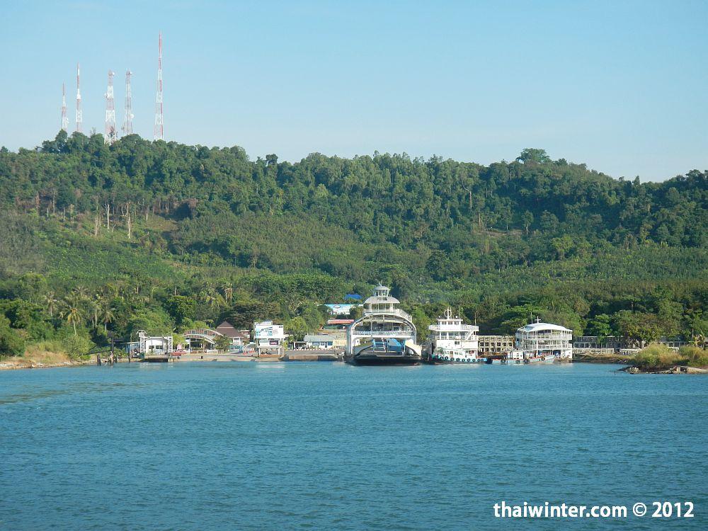 Прибыли на Thammachat Pier