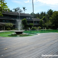 Mercure_Swimming_pools_03