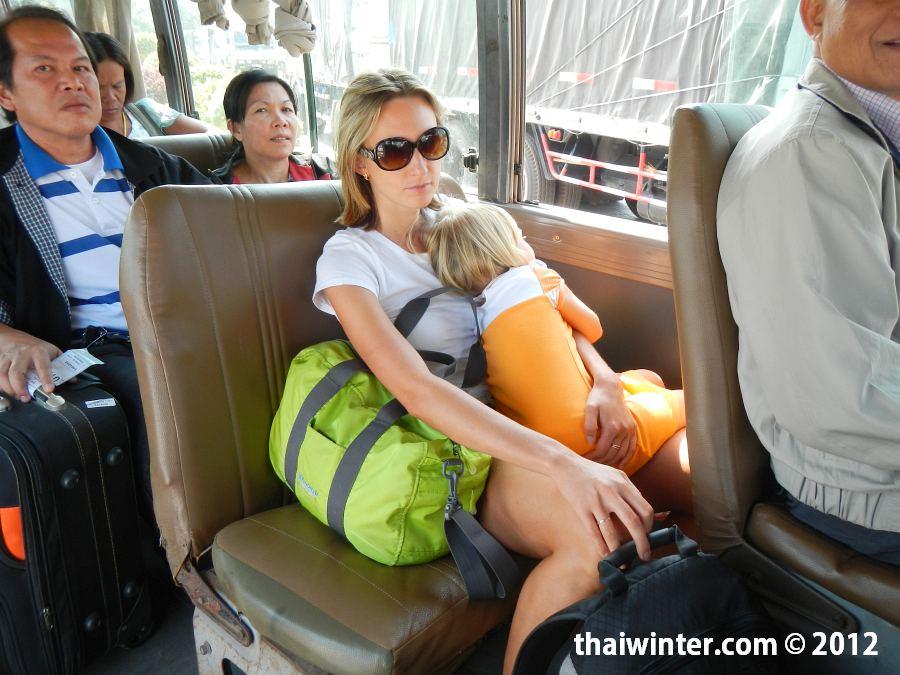 Автобус до Лаоса через мост дружбы
