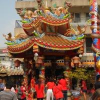 Китайский храм на Китайский Новый Год в Таиланде