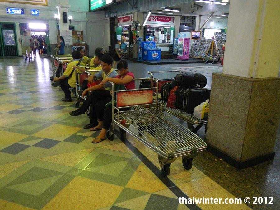 Тележки на Ж/Д вокзале по 100 бат
