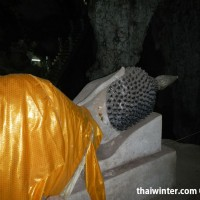 Будда внутри Muang On Cave