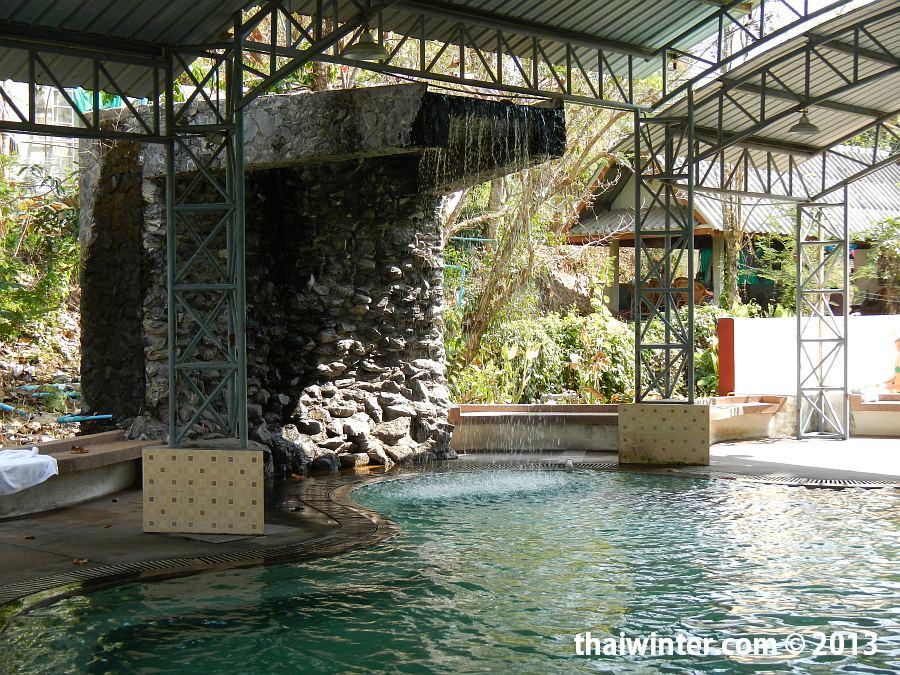 Большой минеральный бассейн для взрослых