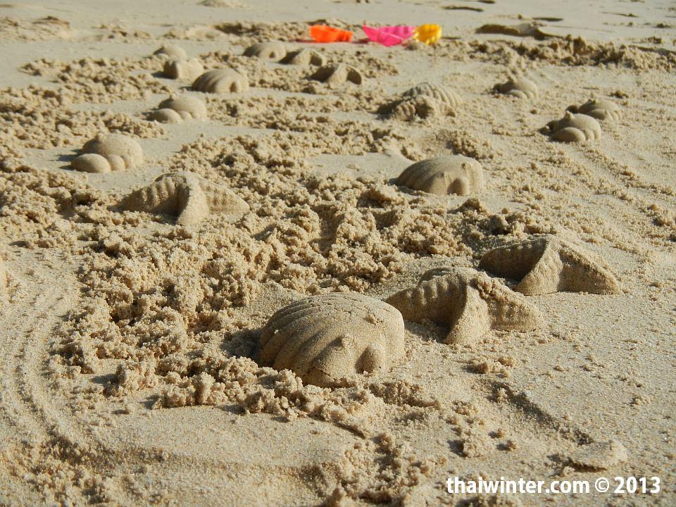 Игры на песке на пляже