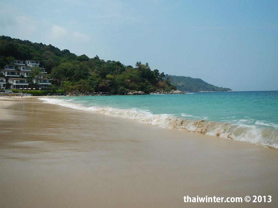 Большая волна на пляже Найхарн