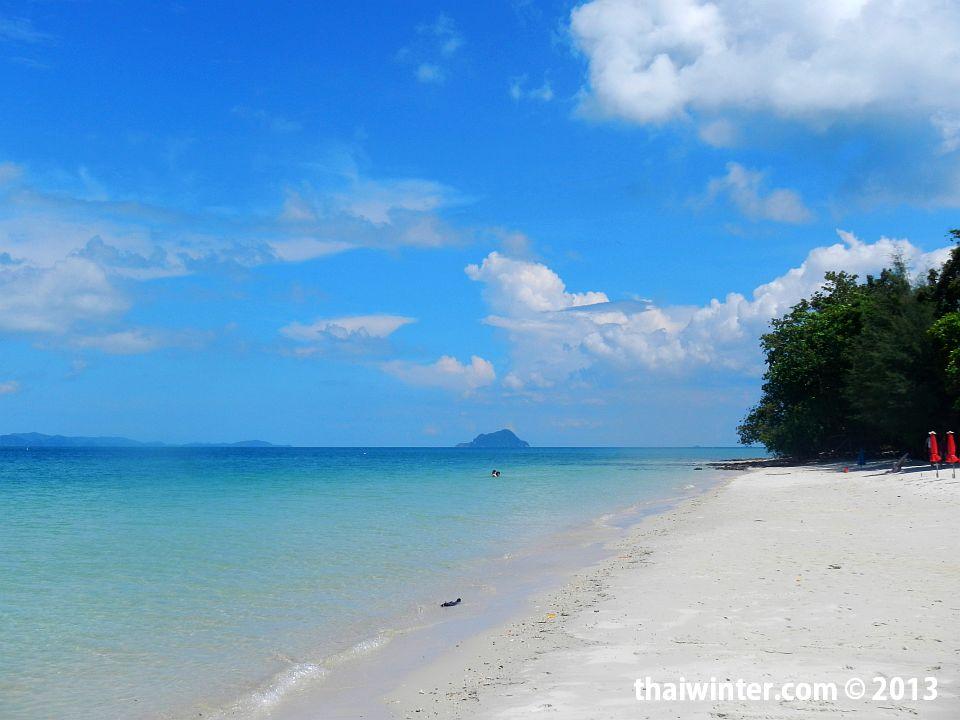 Пляж на острове Naka