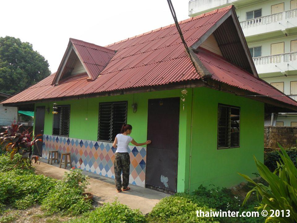 Домик за 300 бат в Чианг Рае
