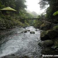 Мостик на водопаде Гит-Гит