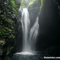 Водопад Гит-Гит: порог из двух струй