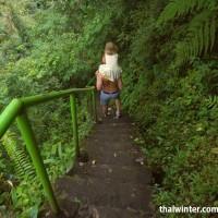 Водопад Секумпул - дорожка со множеством ступеней