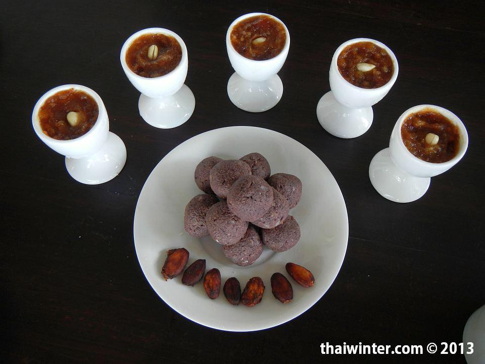 Сыроедные сладости - самодельный сырой шоколад и финиковое пюре