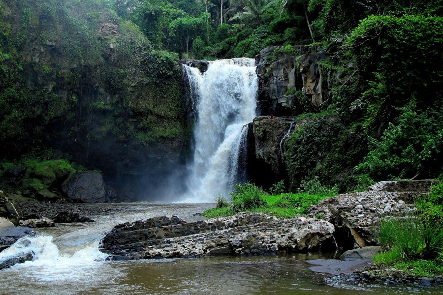 Tenenungan waterfall