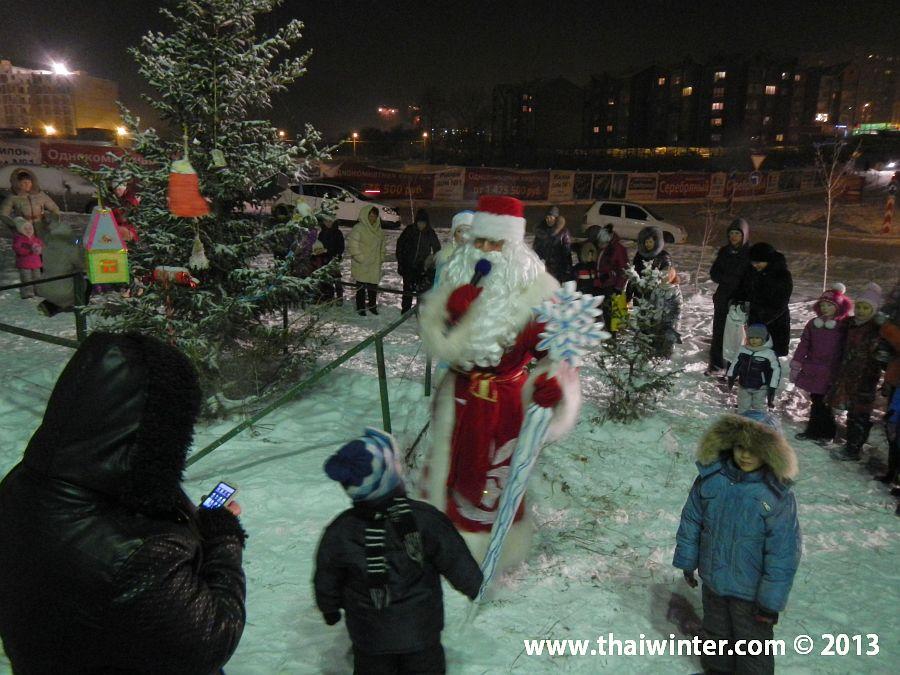 Игры с Дедом Морозом и Снегурочкой на улице