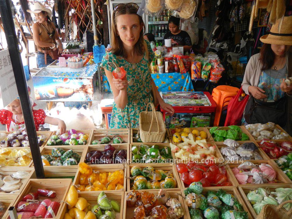 Мыло на рынке Чатучак в Бангкоке