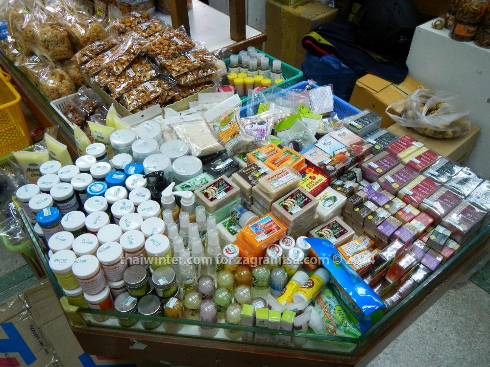Магазинчики тайской продукции на Каосан