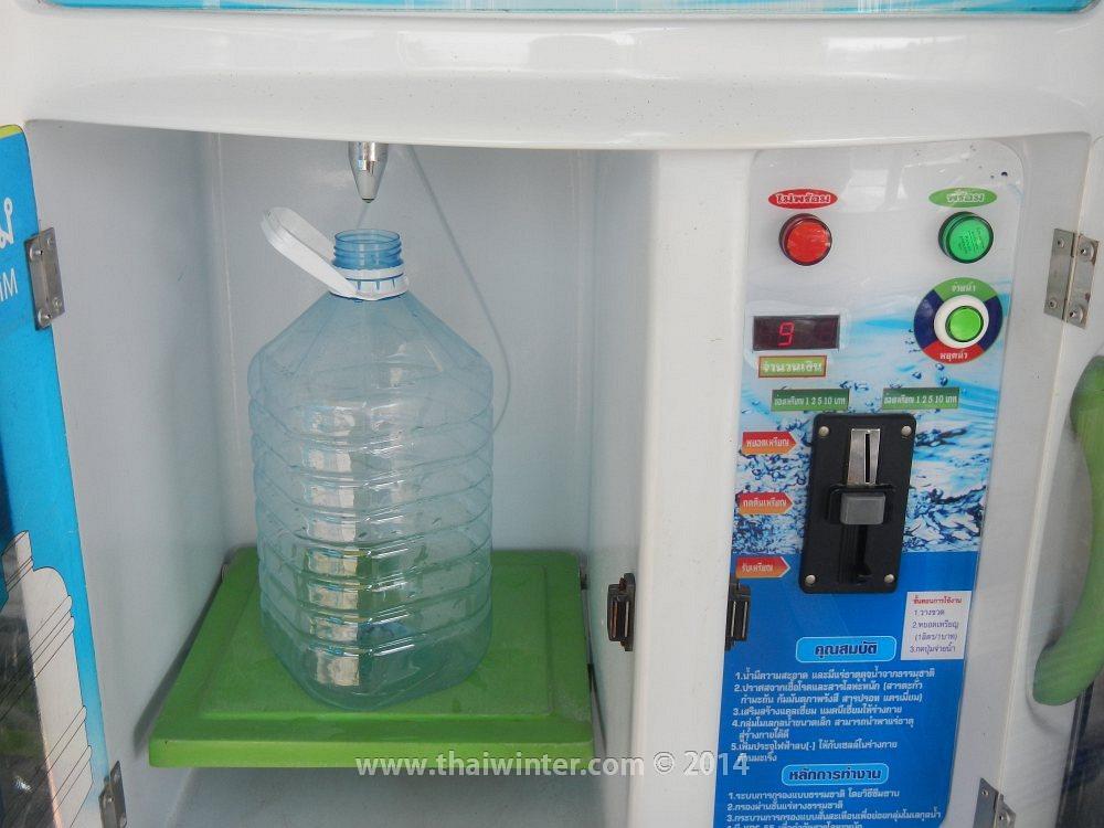 Фильтрованная вода в автоматах по бату за литр