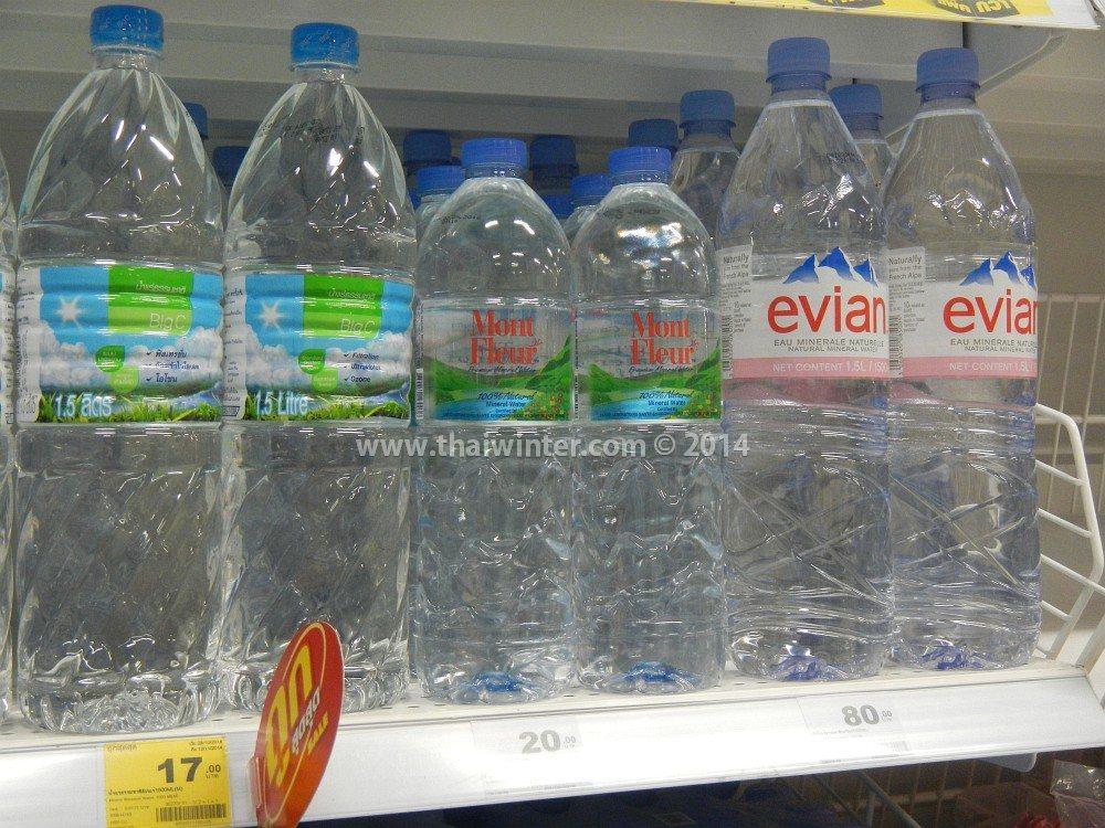 Минеральная и обычная вода в Таиланде