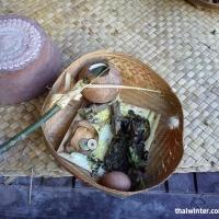 Подношения в Храме Goa Lawah на Бали