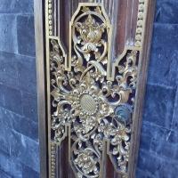 Кружевная дверь в храме