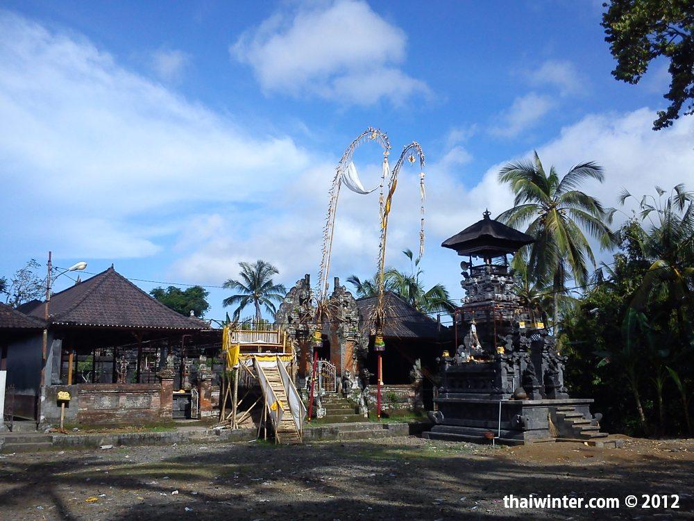 Храм в балийской деревушке | Духовный мир острова Бали