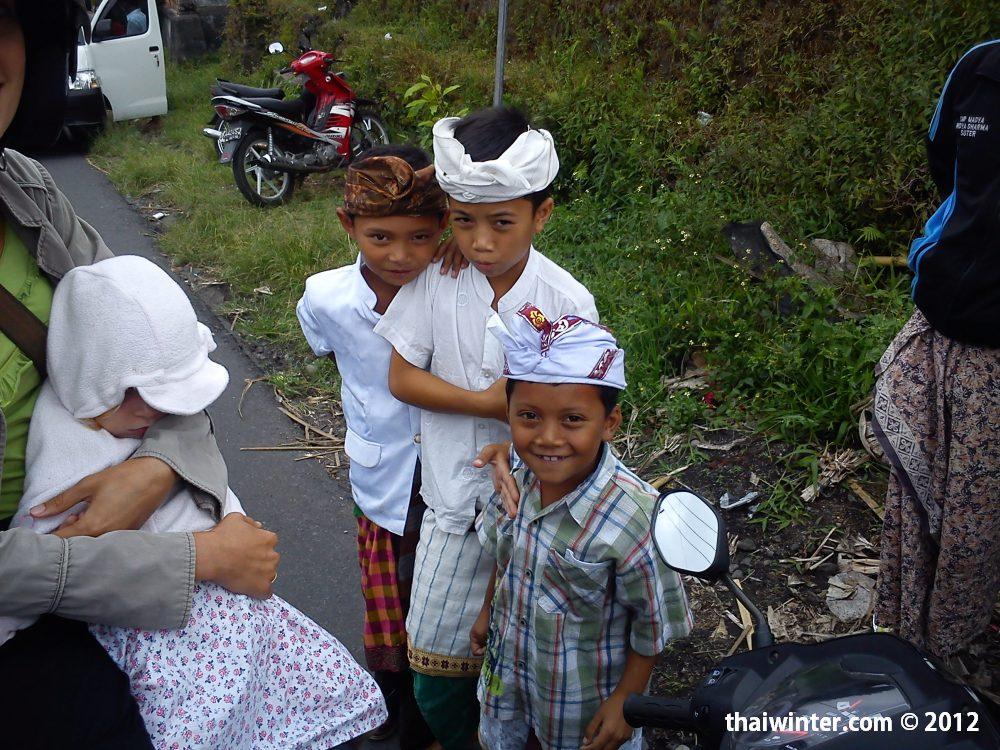 Дети на церемониях | Духовный мир острова Бали